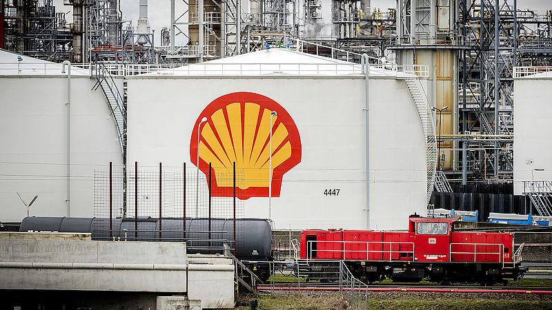 Op een terrasje betaal je meer belasting dan dat Shell vorig jaar deed