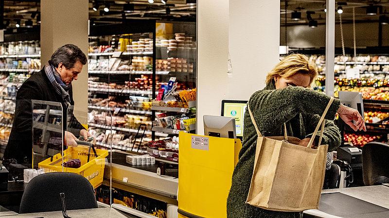 Grote supermarkten steeds vaker langer open: 'Kleine ketens moeten anders gaan denken'