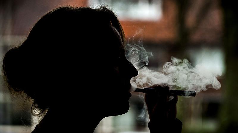 Onderzoekers slaan alarm: 'De e-sigaret is zeker niet ongevaarlijk'