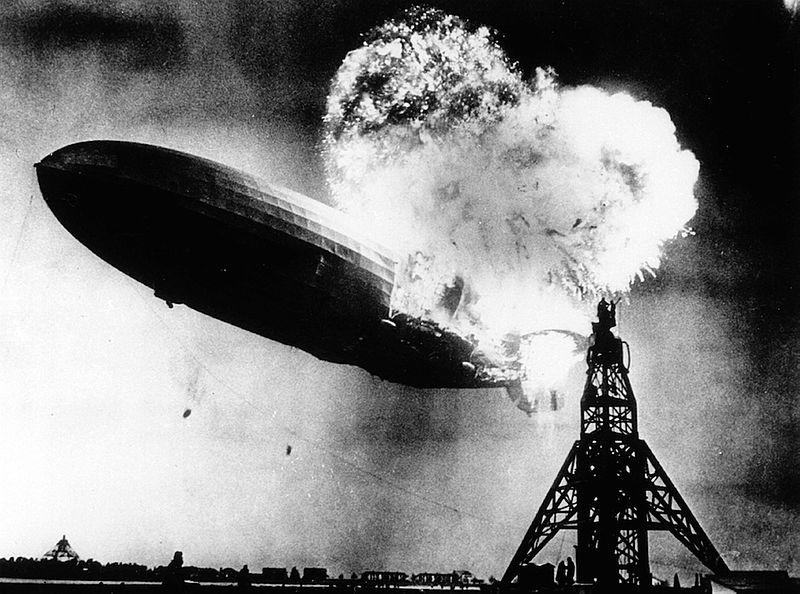 Uniek stukje doek Hindenburg-zeppelin levert recordprijs op