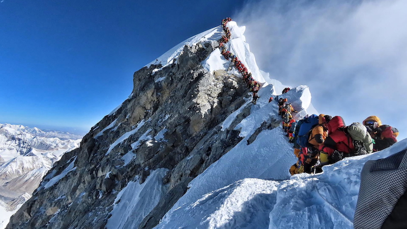 De Mount Everest toen en nu: 'De zuurstoffles heeft veel verpest'