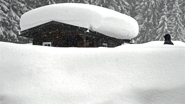 Hevige sneeuwval Oostenrijk: 'Onderschat nooit het gevaar'