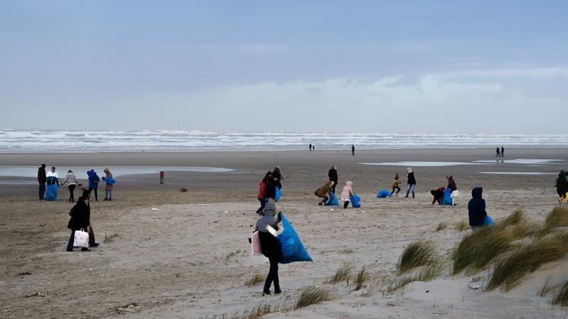 Schoonmaak Terschellinger strand