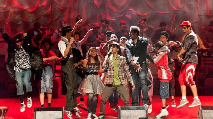 Ik neem je mee: hiphopmusical door Roma-jongeren