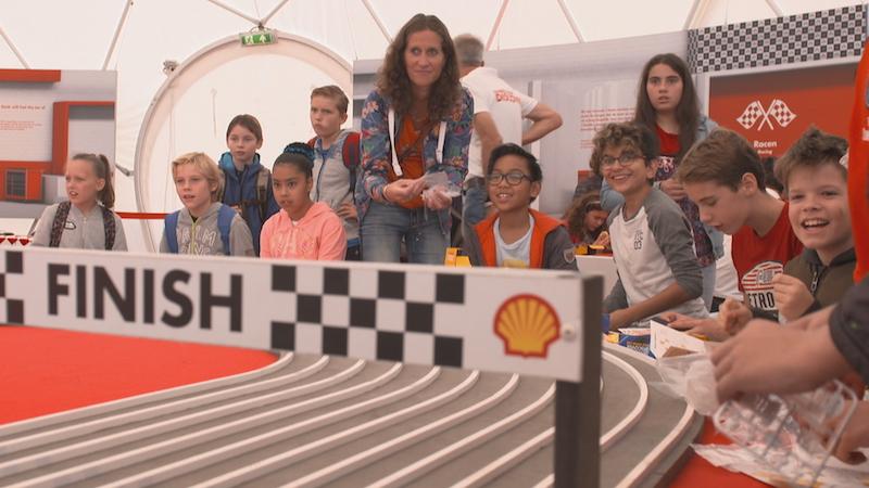 'Ministerie moet kinderen beschermen tegen marketing van Shell'