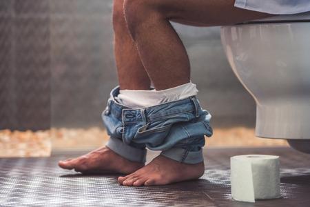 Man poept veertig dagen niet: 'Zijn darm kan exploderen'