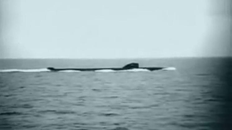 Kernonderzeeër K27: uranium in de Karazee