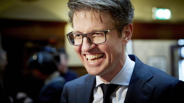 Leraren zeggen vertrouwen in staatssecretaris Dekker op